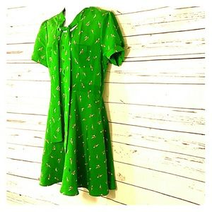 Green short sleeve polyester dress size large